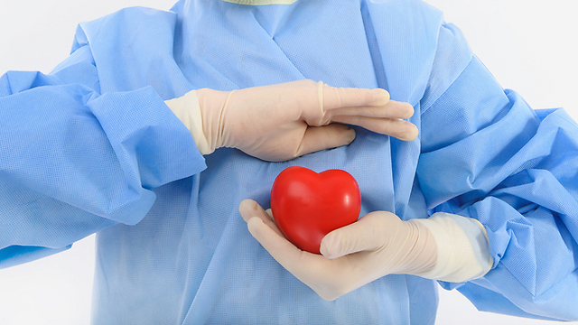 כאב לב יכול באמת לנבוע ממשבר פרידה שלא עוכל (צילום: shutterstock) (צילום: shutterstock)