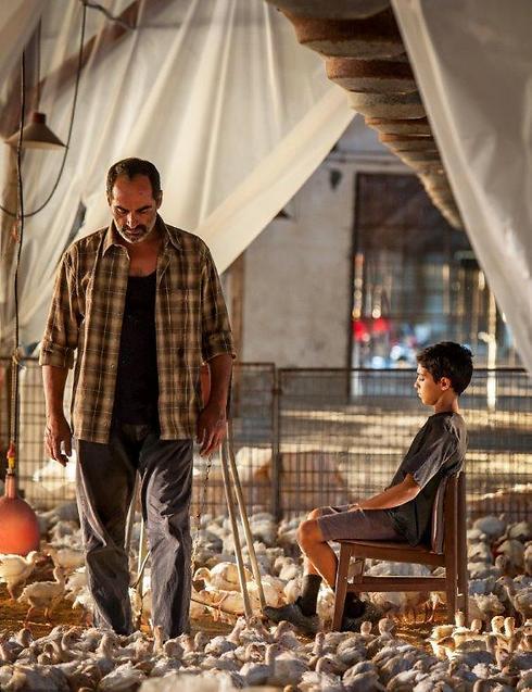 """אשר אברהמי ונביד נגהבאן ב""""באבא ג'ון"""" (צילום: יוראי ליברמן) (צילום: יוראי ליברמן)"""