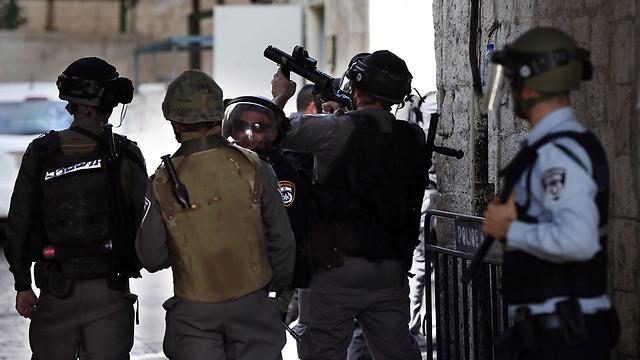 Israeli security forces at the Muslim Quarter in Jerusalem's Old City (Photo: AFP)