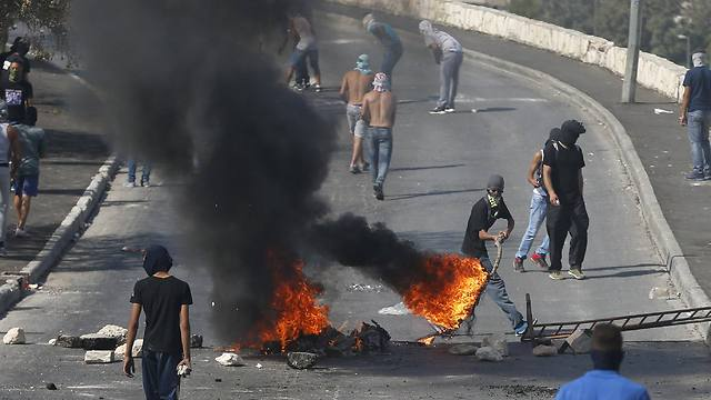 East Jerusalem clashes on Sunday. (Photo: Reuters)