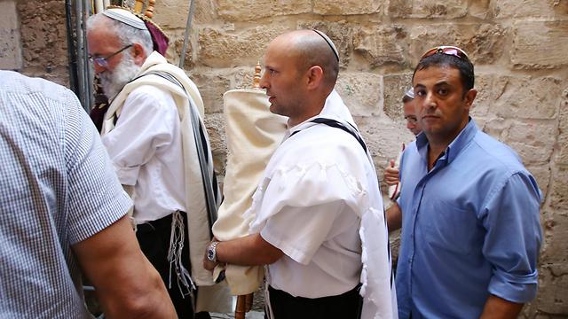 Naftalie Bennett in Jerusalem Monday to celebrate Simchat Torah. (Photo: Shaul Golan)