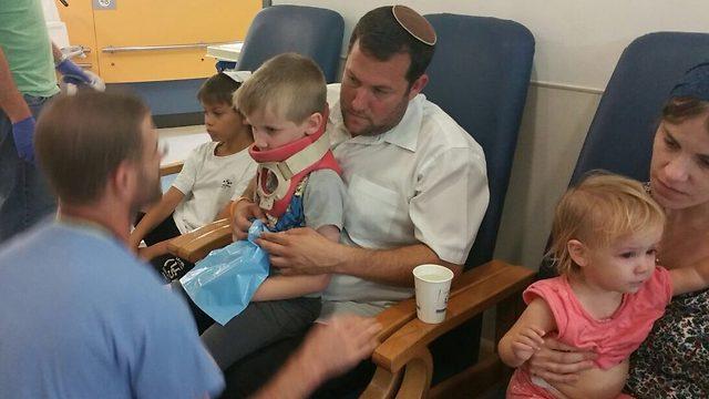 Dagan and his family (Photo: Avraham Cohen)