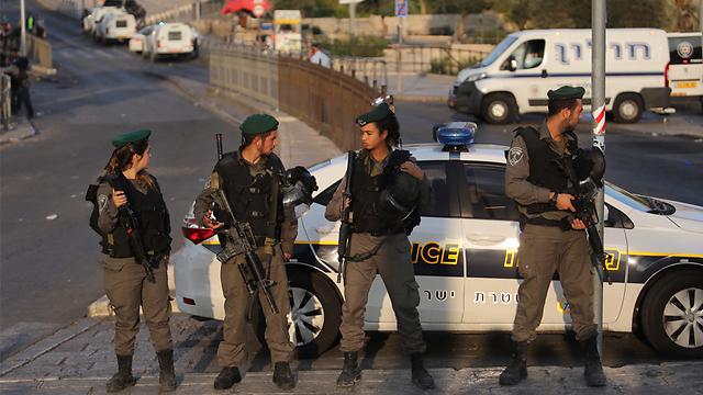 Border Police at site of attack on Saturday morning (Photo: Gil Yohanan) (Photo: Gil Yohanan)