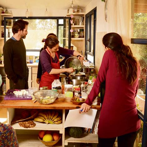 סדנת בישול צמחוני וטבעוני של חגית לוי דרור בכליל | צילום: אייל טל