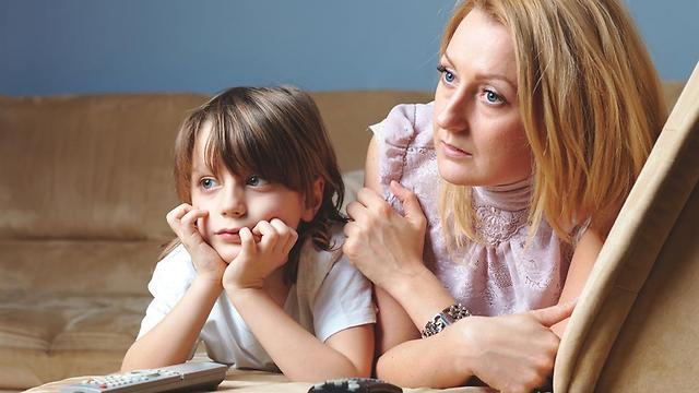 מתייחסים להורים באופן נחות (צילום: shutterstock) (צילום: shutterstock)