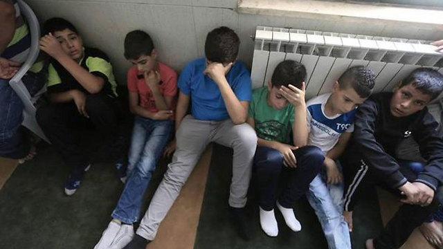 """ילדים בג'ילזון מבכים את מות חברם בן ה-13 שנהרג לכאורה מירי צה""""ל ()"""
