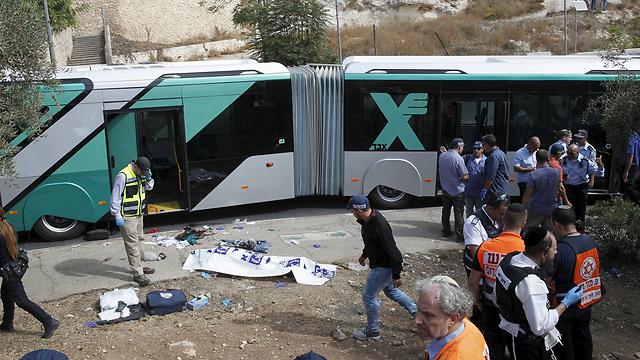 זירת הפיגוע בארמון הנציב באוקטובר. שלושה ישראלים נרצחו (צילום: רויטרס) (צילום: רויטרס)