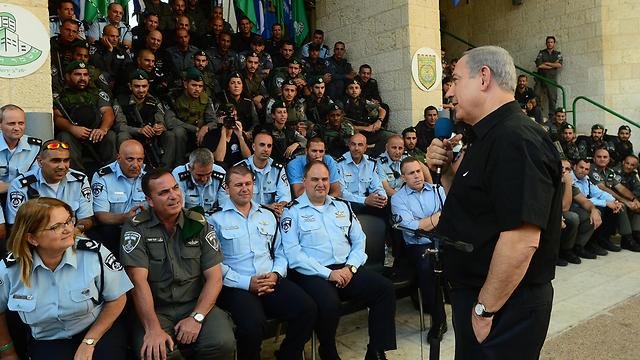 Netanyahu visiting the Border Police base in Jerusalem (Photo: Koby Gideon, GPO)