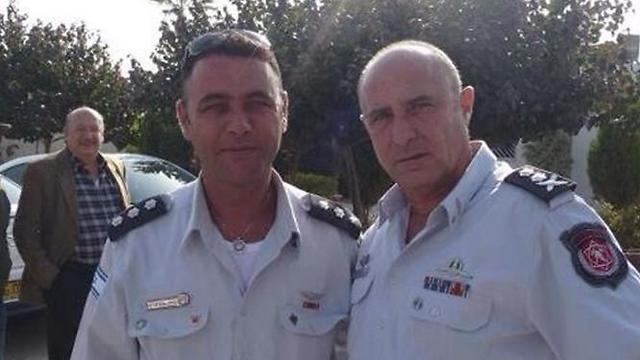 Naif Alziadna (left) with Fire and Rescue Services Commissioner Shahar Ayalon. (Photo: Negev Fire and Rescue Services spokesperson)