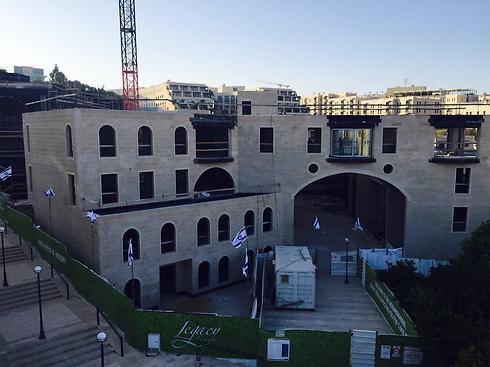 הפרויקט בהקמה, כיום. דירת פנטהאוז ב-130 מיליון שקל ()