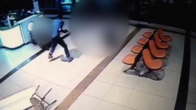 תיעוד הפיגוע בתחנה המרכזית בבאר שבע ()