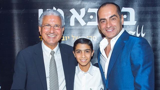 Navid Negahban and Asher Avrahami with Moshe Edery, one of the 'Baba Joon' producers (Photo: Rafi Deloya)