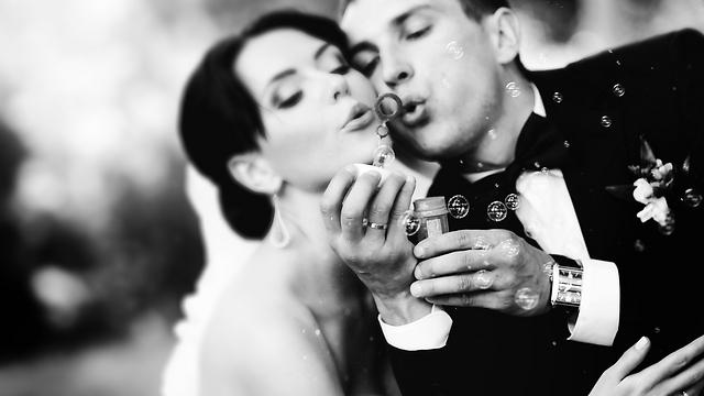 מאמי, תבטיח לי שלא יהיו לנו פדיחות מטופשות בחתונה (צילום: Shutterstock)