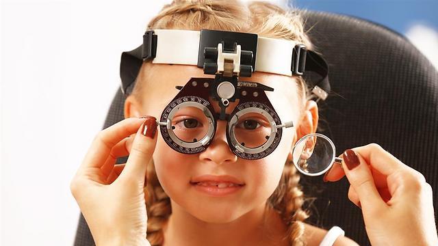 ילדים לא תמיד מדווחים על קושי לראות (צילום: shutterstock) (צילום: shutterstock)