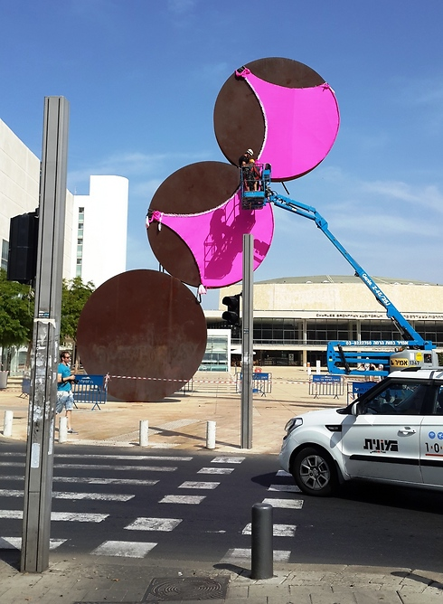 The bra will be on the statue until midnight on Saturday. (Photo: Amit Kotler)