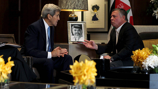 John Kerry and Jordanian King Abdullah II in Amman (Photo: Reuters)