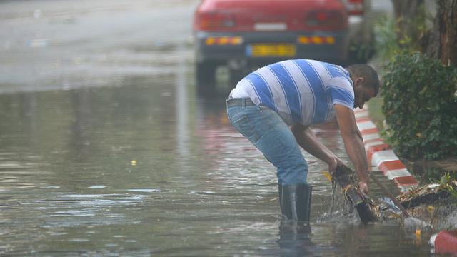 Flooding in Ashdod (Photo: Avi Rokach)