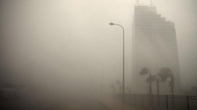 סערה בנתניה, הבוקר (צילום: AFP) (צילום: AFP)