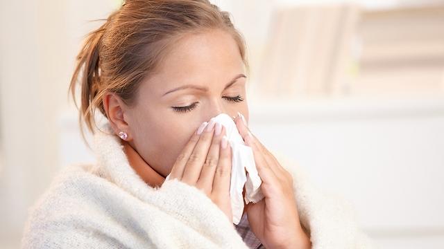 תסמינים דמויי שפעת. עוברת בעקיצת יתוש (צילום: shutterstock) (צילום: shutterstock)