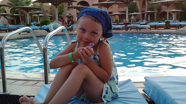 אלינה בת החמש, אחת מ-17 ילדים שנספו בסיני ()