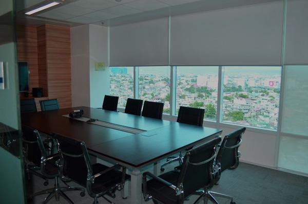 חדר ישיבות עם נוף  (צילום: שי ילין)