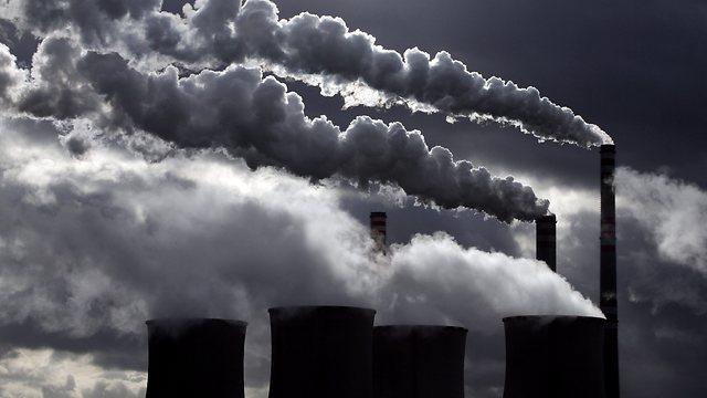 לא די בהורדת פליטות גזי החממה (צילום: רויטרס) (צילום: רויטרס)