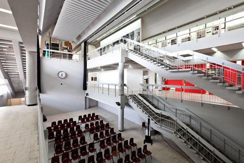 המוזיאון לאמנות מודרנית. בקרוב פינוי (צילום: Bartosz Stawiarski)