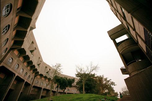 מה אומרים בבאר שבע על הניסוי האדריכלי בעיר? לחצו על התצלום לתשובה (צילום: רועי אבנטוב)