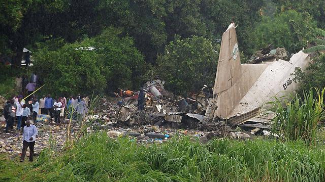 התרסקות מטוס המטען הרוסי בדרום סודן (צילום: AFP) (צילום: AFP)