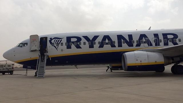 מטוס ריינאייר בשדה התעופה בעובדה (צילום: רשות שדות התעופה) (צילום: רשות שדות התעופה)