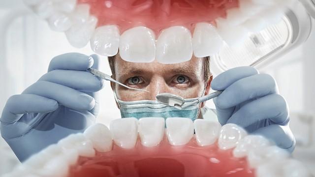 ביקור אצל רופא שיניים. מפחיד גם את האמיצים ביותר  (צילום: shutterstock) (צילום: shutterstock)