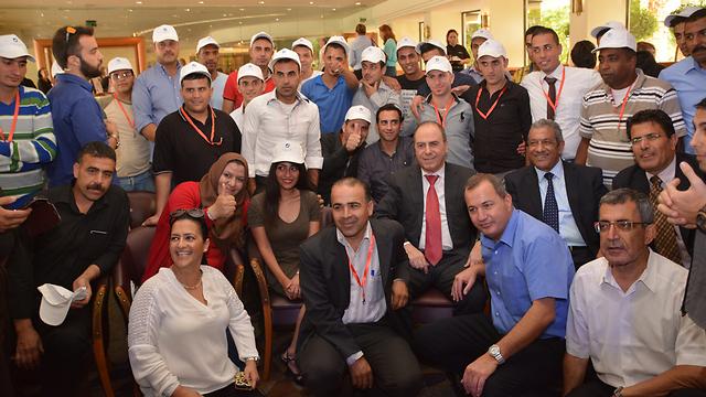 קליטת ראשוני העובדים הירדנים באילת בשנת 2015 (צילום: מאיר אוחיון) (צילום: מאיר אוחיון)