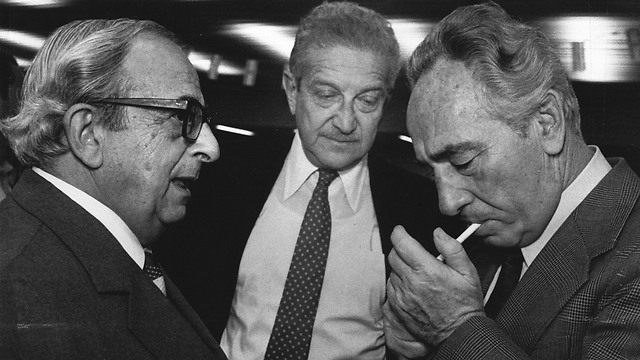 Navon with Shimon Peres (right) and Ezer Weizman (middle). Navon was supposed to become foreign minister, Weizman ended up with the job. (Photo: Shalom Bar Tal)
