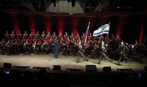 מקהלת הצבא האדום בישראל, לפני שנה (צילום: אלירן אביטל) (צילום: אלירן אביטל)