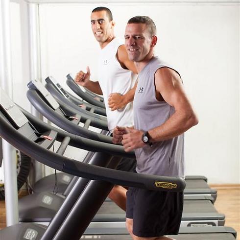 יריב ויינר והדר שרון. חשוב להתאים את עומס האימון לפרופיל האישי של המתאמן (צילום: כפיר חרבי) (צילום: כפיר חרבי)