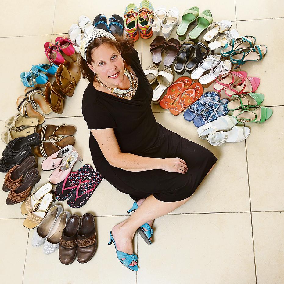 יעל שטיינברג: יש לי יותר מ-40 זוגות נעליים   צילום: אביגיל עוזי