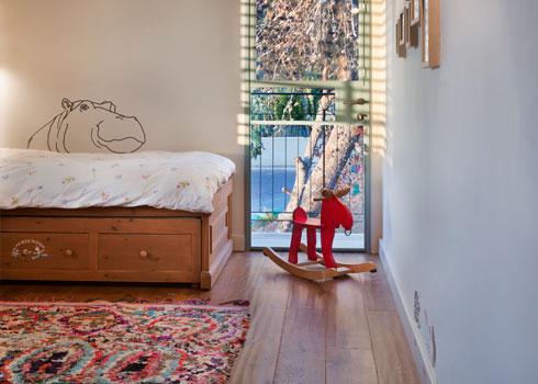 חדרו של הבן הצעיר (צילום: אסף פינצ'וק)