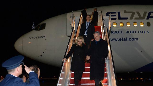 Prime Minister Netanyahu and his wife Sara arrive in Washington (Photo: Haim Tzah, GPO)