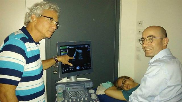 רופאים במהלך הקורס. המטרה שכל רופאי המשפחה יוכשרו באולטרסאונד ()