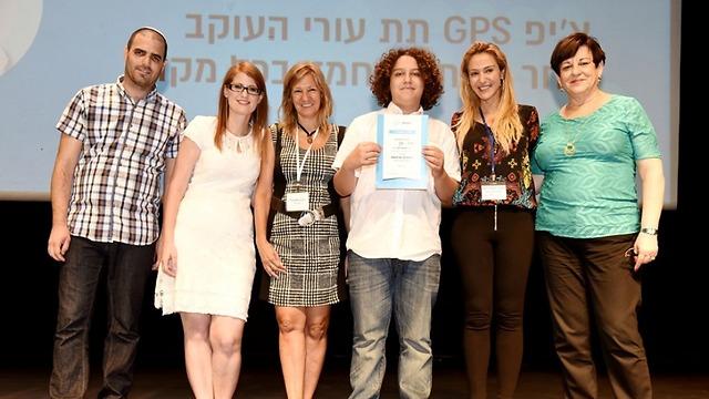 """מנכ""""ל קבוצת עמל עו""""ד רוית דום (השנייה מימין) גאה בזכייה (צילום: קובי קונאקס) (צילום: קובי קונאקס)"""