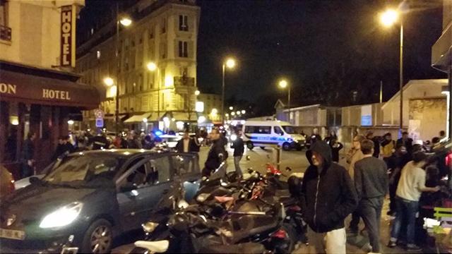אחת מזירות האירועים בפריז ()