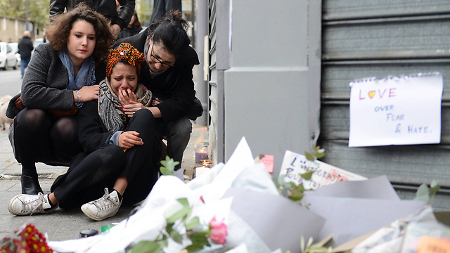Paris began three days of mourning Saturday, but the free world needs many more days of self-examination (Photo: EPA)