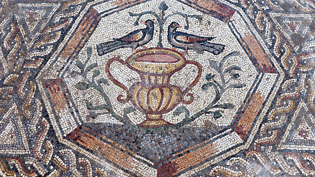 A portion of the 1,700-year-old mosaic in Lod (Photo: Israel Antiquities Authorit)