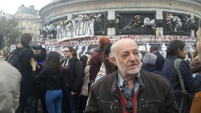 ז'אק לומבארט בכיכר הרפובליקה. לא רוצה להאשים (צילום: איתי בלומנטל) (צילום: איתי בלומנטל)