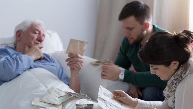 92% מבני המשפחה המטפלים - נדרשת הסדרה בחוק (צילום: shutterstock) (צילום: shutterstock)