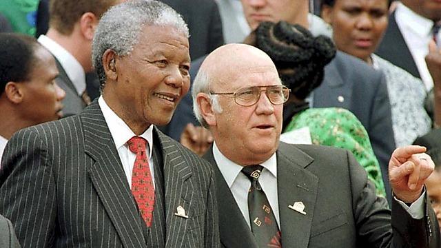 De Klerk, right, with Nelson Mandela (Photo: AP)