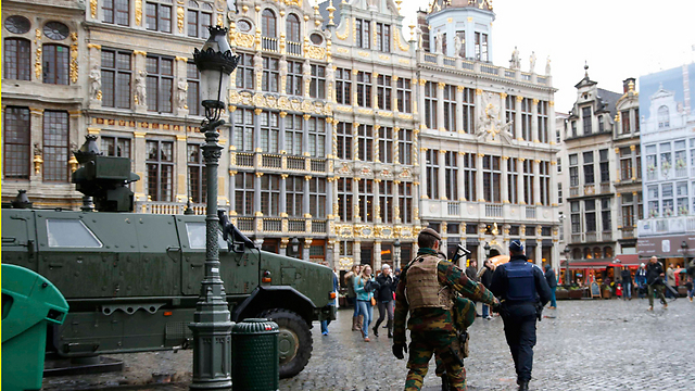 High alert in central Brussels. Terror isn't opening the elites' eyes, but is rather pushing them more and more towards self-deception (Photo: Reuters)