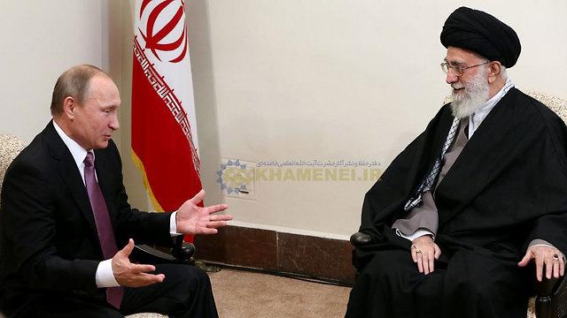 עתידו של האזור יוכרע אך ורק על ידי רוסיה ואיראן. פוטין וחמינאי בטהרן (ארכיון)