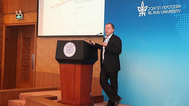 פרופ' יוסי רוזנווקס (באדיבות מרכז xin) (באדיבות מרכז xin)