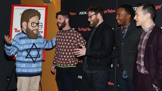 """גורדון-לוויט, מקי, רוגן, לוין והדמות של אייזק מ""""הלילה שלפני"""" (צילום: GettyImages) (צילום: GettyImages)"""